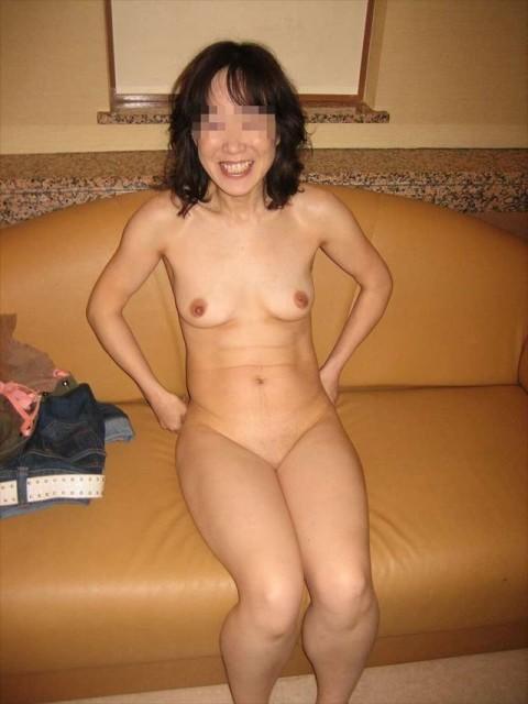 素人熟女ヌード画像 038