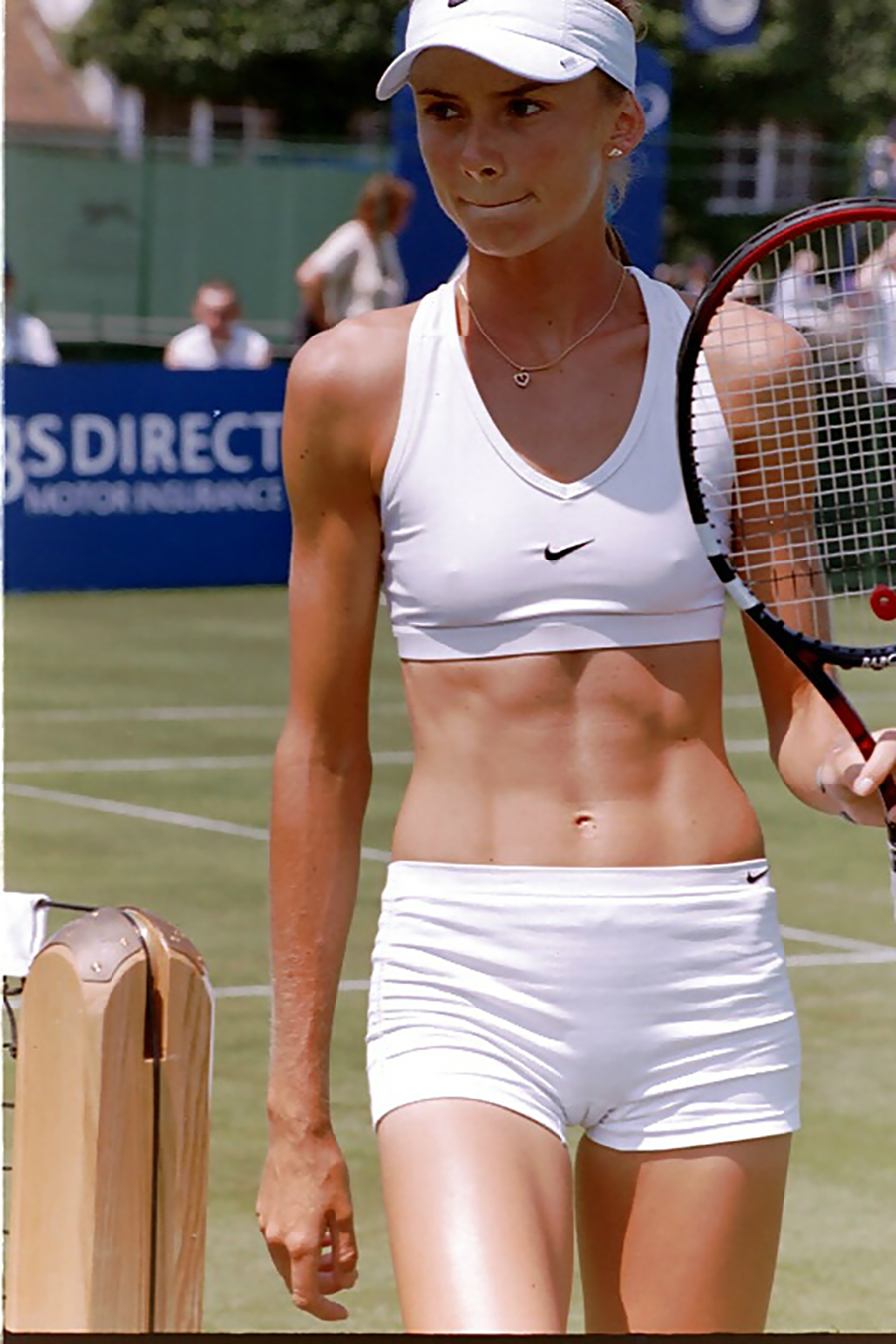 Women tennis players nip slip