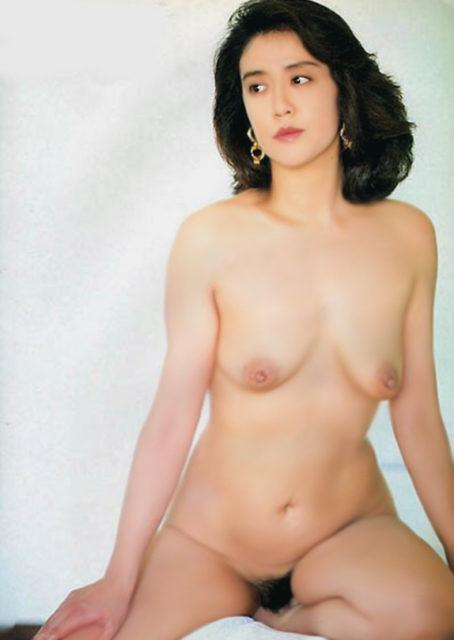横山エミー 画像048