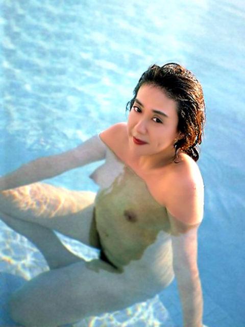 横山エミー 画像057