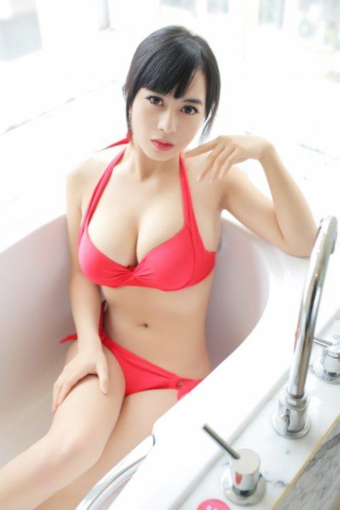 中国グラドル 黄可 画像074
