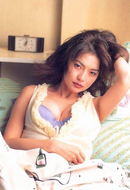 青田典子 画像046