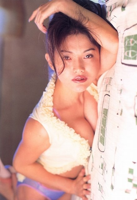 青田典子 画像051