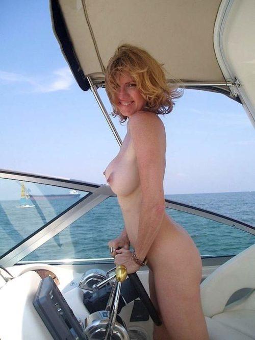 船上露出 画像045