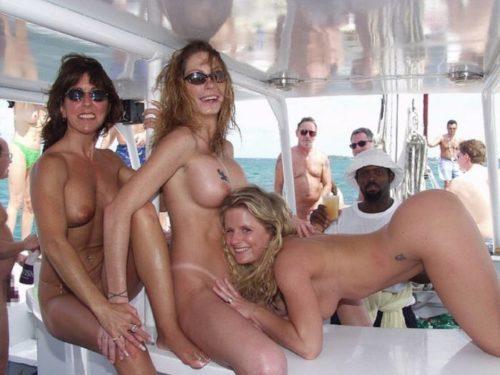 船上露出 画像075