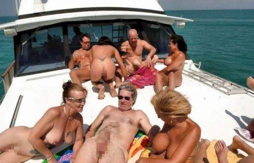 船上露出 画像076