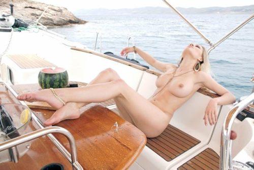 船上露出 画像106
