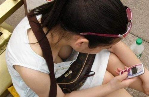 胸チラ 画像087