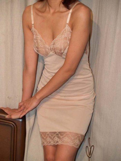 シミーズ熟女 画像007