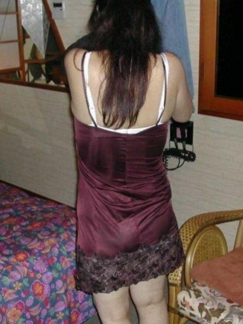 シミーズ熟女 画像046