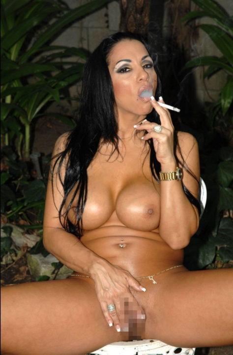 たばこヌード 画像018