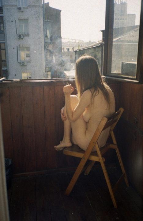 たばこヌード 画像034
