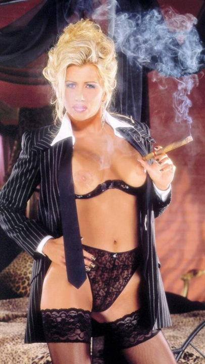 たばこヌード 画像059