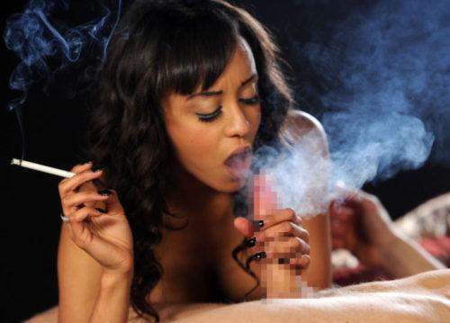 たばこヌード 画像085