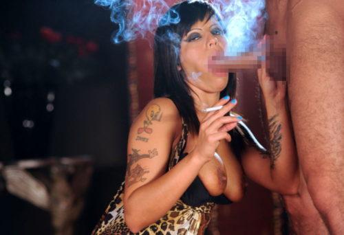 たばこヌード 画像098