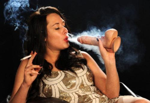 たばこヌード 画像100