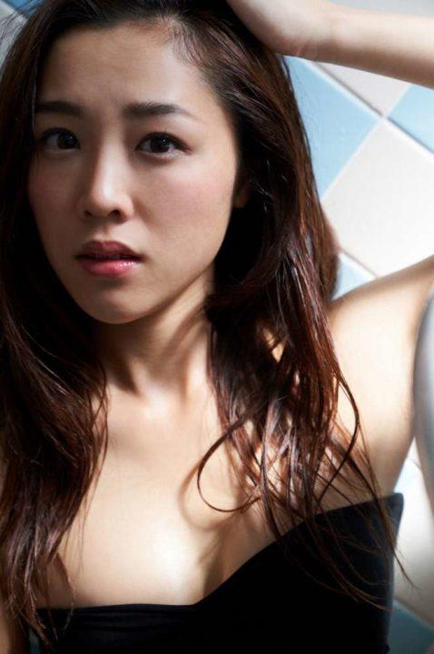 石田安奈 画像007