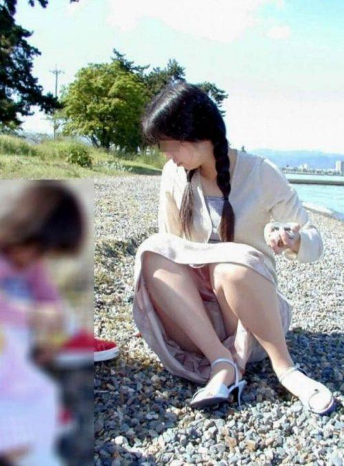 子連れママパンチラ 画像050