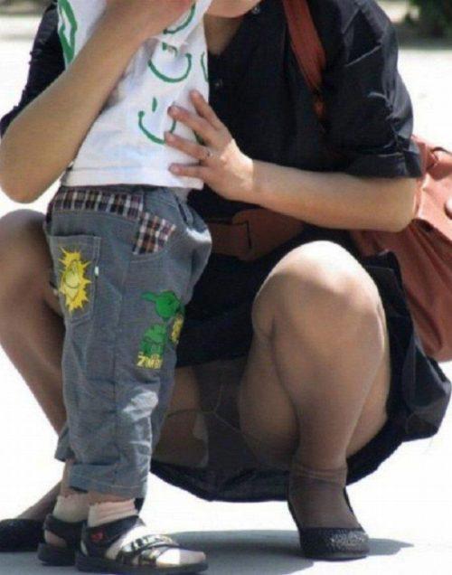 子連れママパンチラ 画像070