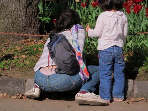 子連れママパンチラ 画像102