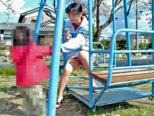 子連れママパンチラ 画像106