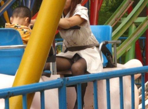 子連れママパンチラ 画像112