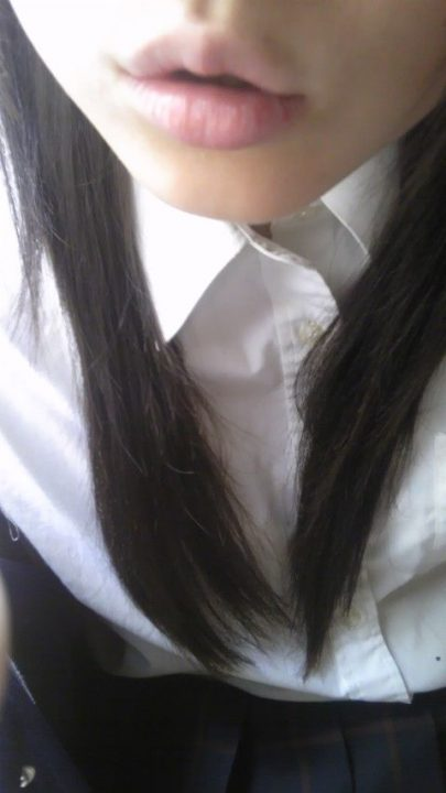 素人唇 自撮り画像030