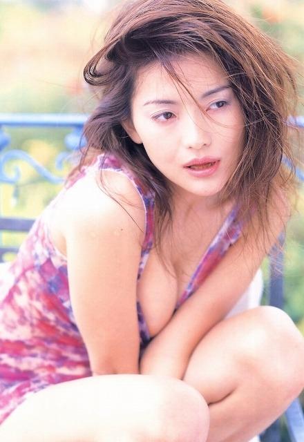青田典子 画像042