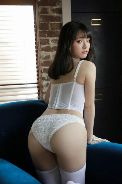 片岡沙耶 画像035