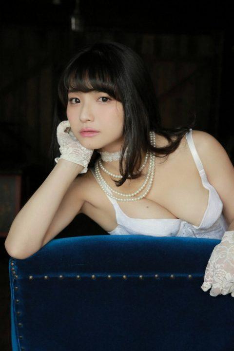 片岡沙耶 画像037