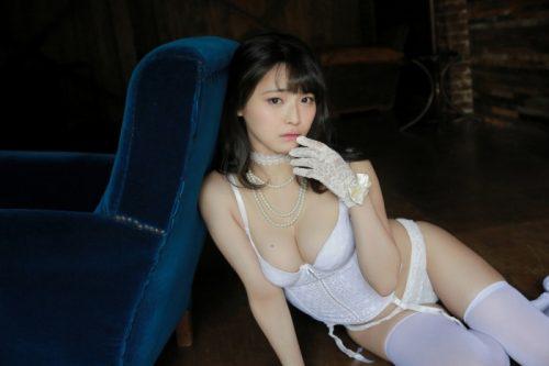 片岡沙耶 画像041