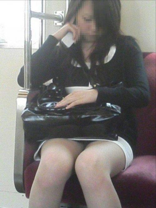 電車パンチラ 画像041