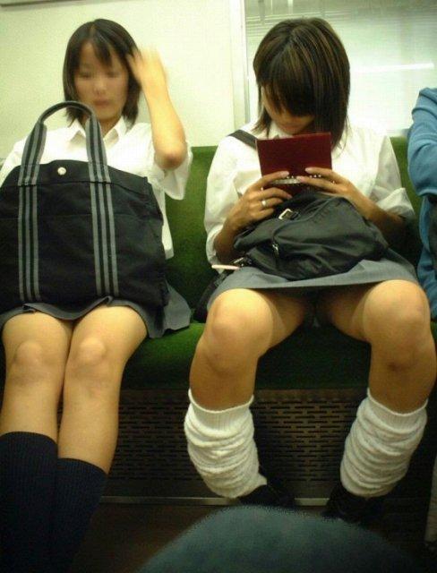 電車パンチラ 画像089