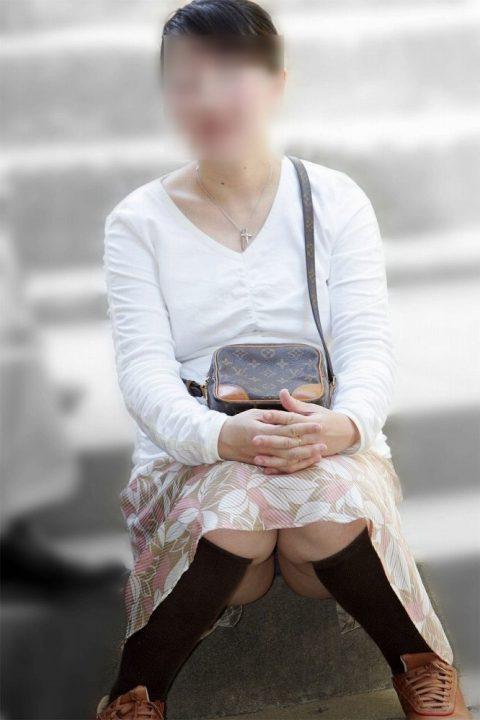 熟女 街撮り 熟女街撮り盗撮エロ画像】若く着飾っても年齢には勝てない ...