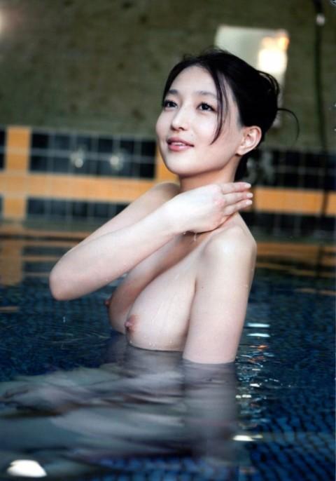 入浴ヌードエロ画像_017