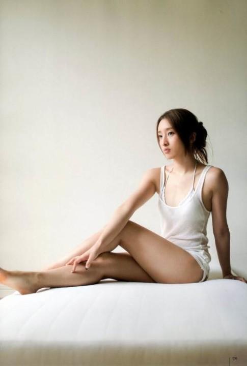 梅田彩佳画像 038