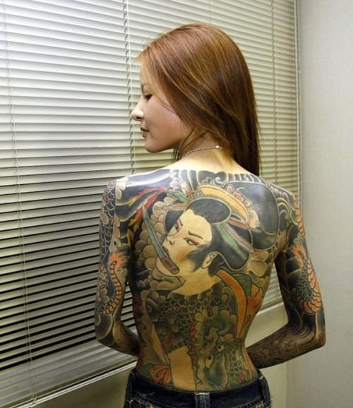 全身刺青女性ヌード(和彫り) 和彫りの刺青が入った素人女子の裸体がイカツ過ぎるけどビビり ...