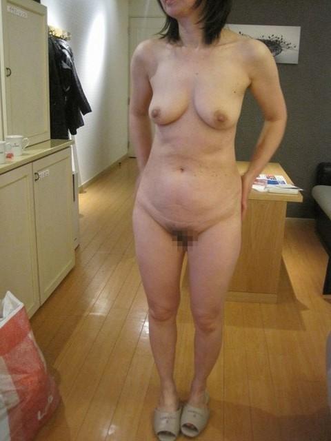 還暦熟女ヌード画像