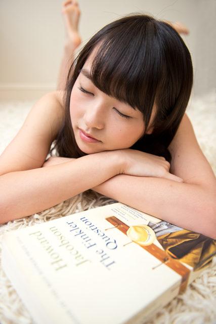 伊藤万理華、寝顔