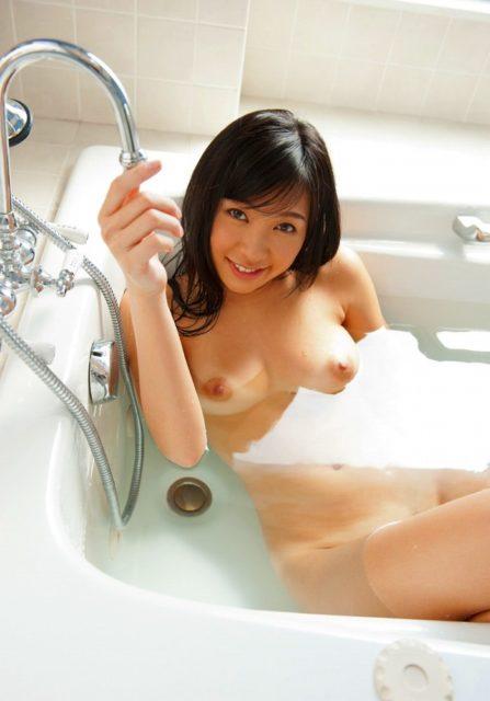お風呂ヌード 画像003
