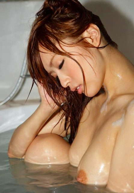 お風呂ヌード 画像021