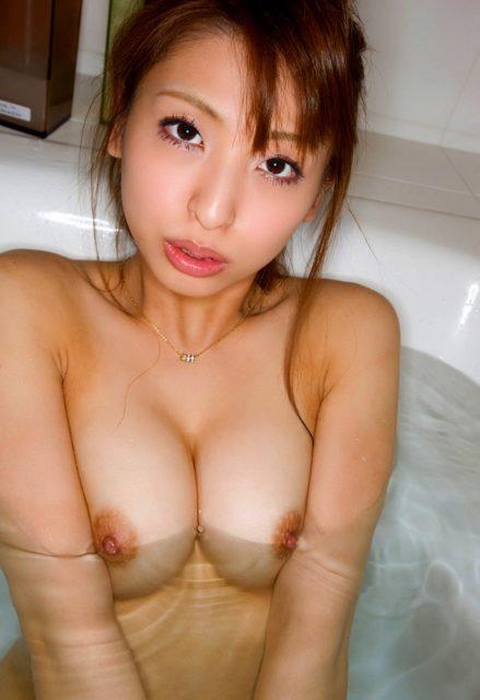 お風呂ヌード 画像053