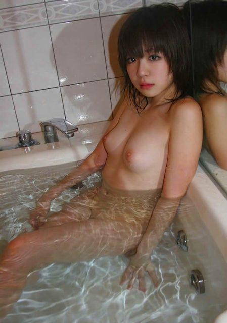 お風呂ヌード 画像062