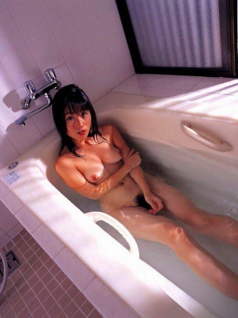 お風呂ヌード 画像065