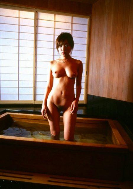 お風呂ヌード 画像084
