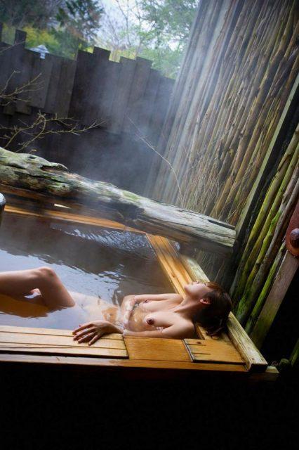 お風呂ヌード 画像093