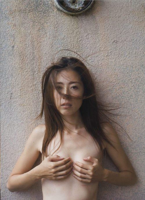 セミヌード画像 126