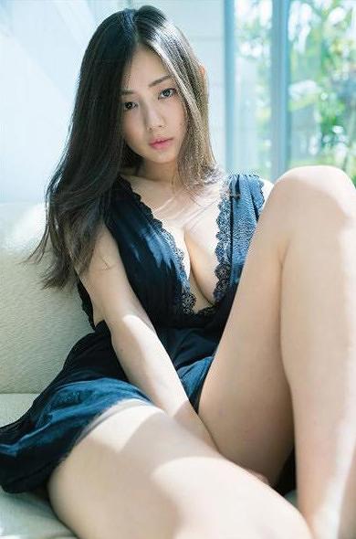 片山萌美 画像052