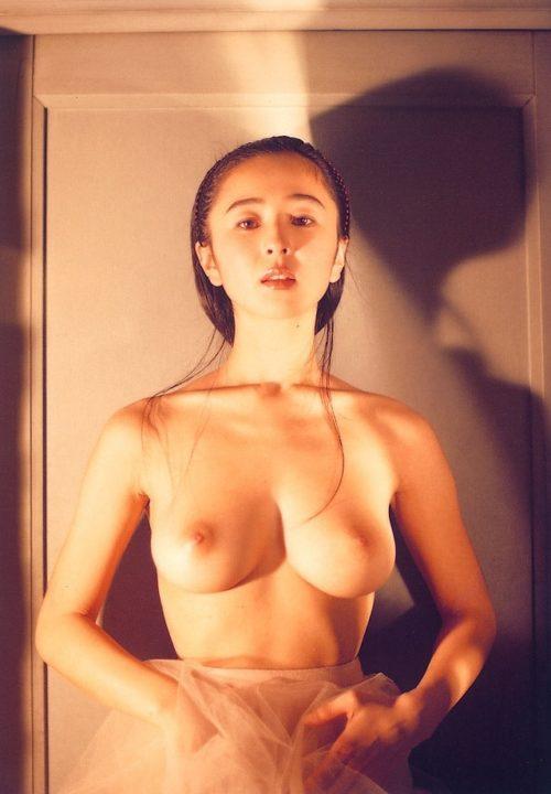小松みゆき ヌード画像018