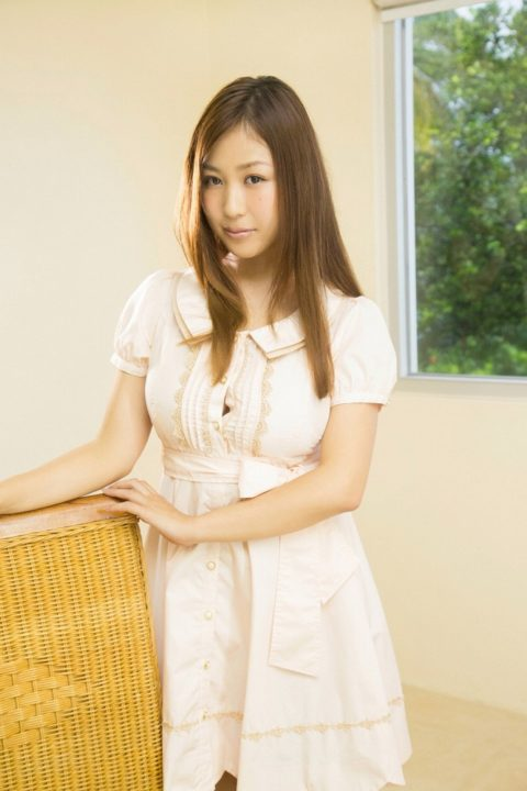 西田麻衣 水着画像025